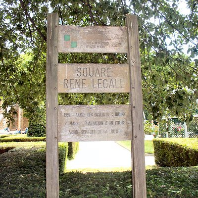 Square René Le Gall Sign