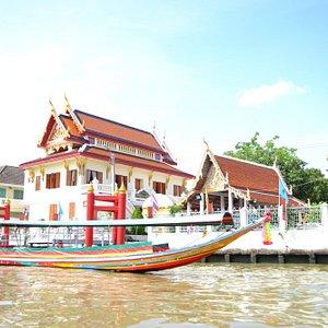 Long Boats on The Klongs