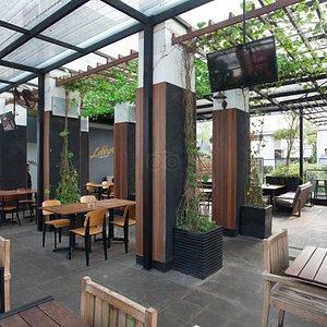 Lobbyn Sky Terrace at the favehotel Kemang