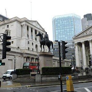 Биржа и Банк Англии - начало улицы Треднидл