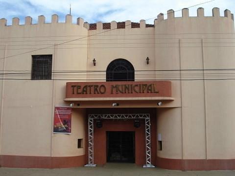 Frente do Teatro