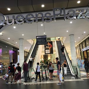 Queens Plaza facilitate city shoppers David Jones, Country road, Witchery and a Coles at the bas