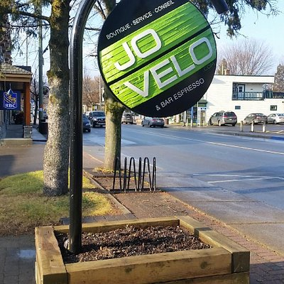 Welcome to town! Jo Velo Tremblant