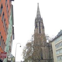 Igreja da Praça onde começa a Zulpicher