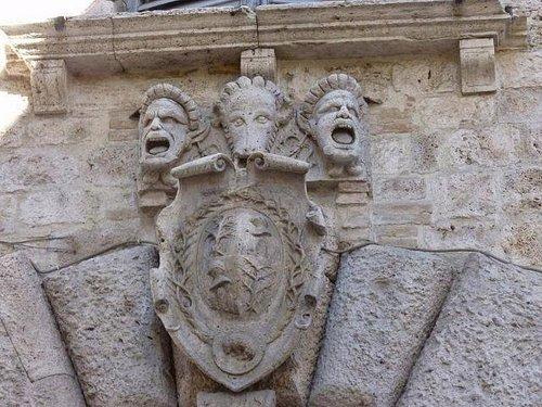 Lo stemma della famiglia Malaspina