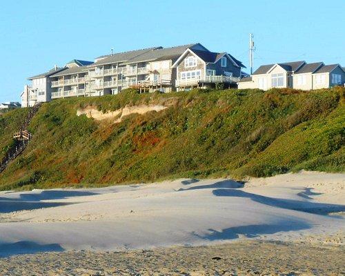 Hotels on the Bluff above Nye Beach