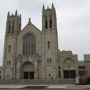 1927 limestone: Gothic Revival