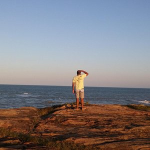 Vista sobre as pedras da Praia da Cruz