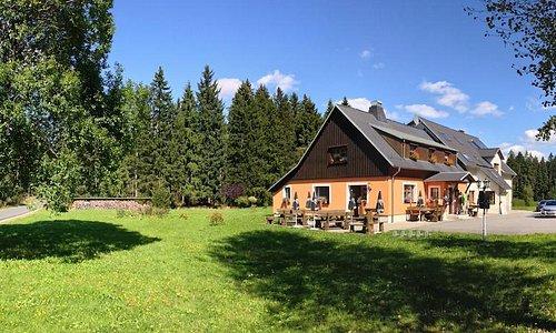 Gasthaus Sauschwemme Panorama Sommer