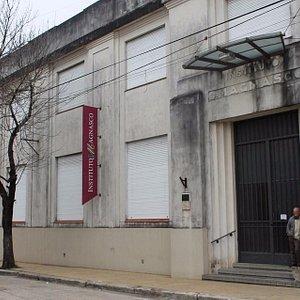 Frente del Instituto Magnasco