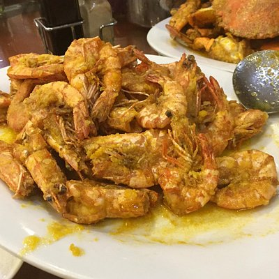 Prawns in golden sauce