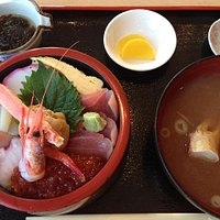 海鮮丼 2700円