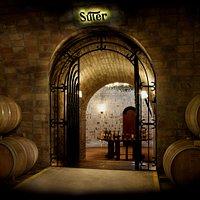 Cada recorrido termina con una degustación de nuestros vinos