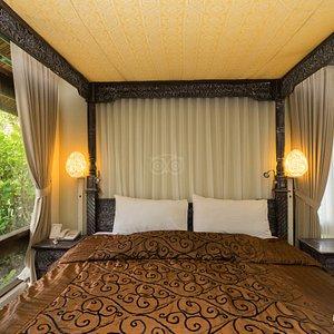 The Seaside Room at the Peneeda View Beach Hotel