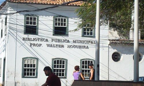No centro de C. Frio. Linda arquitetura,no Estilo Colonial