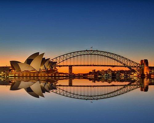Harbour bridge and Oprah house - at sunset