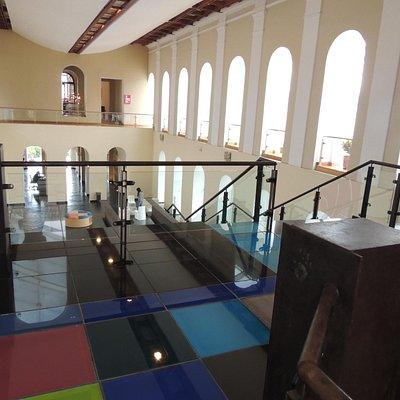 Interior desde 2 piso del Centro de arte contemporáneo.