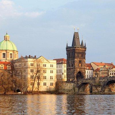Mucha Praga Travel Agency