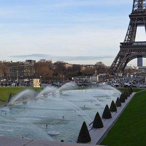 Eiffel Tour Fountaine #renthisbike