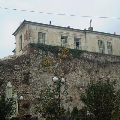 Βυζαντινό τοίχος, Δράμα