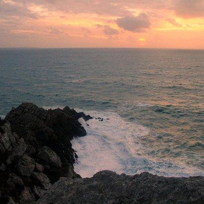 Lucht, zee en rotsen