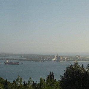 Vista parcial da Baia de Setubal com Troia na outra margem.