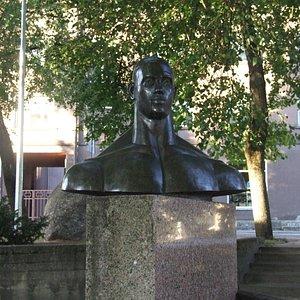 Первый тяжелоатлет Эстонии.