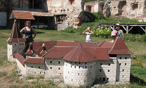 Макет замка на территории замка