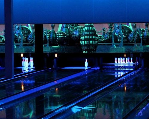 Bowling Goes