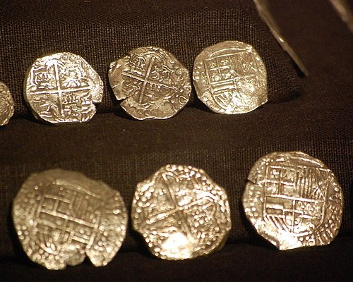 Gold coins from the shipwreck