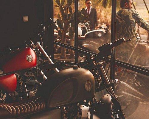Malamadre Motorcycles Canggu Bali. Rent. Build. Customize