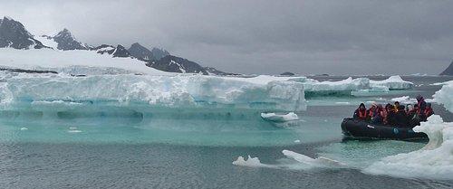 Landing through the ice flows