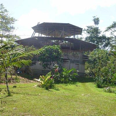 De dorps logeerkamers zijn in dit gebouw