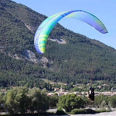Paragliding tours for pilots are good and cheap way to visit new country with excellent paraglid