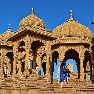 Bada Bagh cenotaphs closeup
