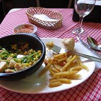 pollo con verduras salteado