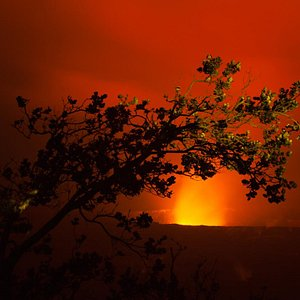 Kilauea's summit glow