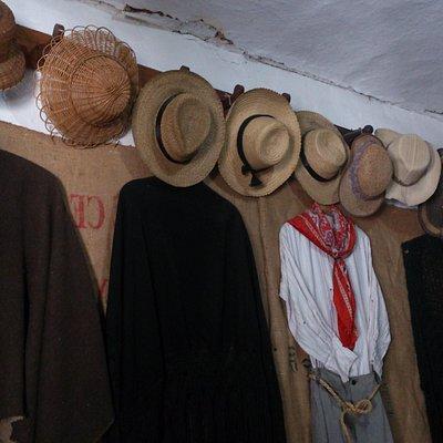 trajes de viejos pobladores