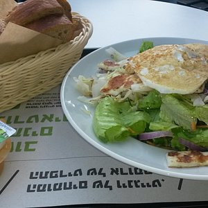 Delicious lunch at Ir Maim