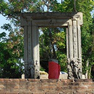 6c shiva shrine