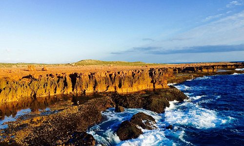 Blowholes cliffs stunning but watch for king waves