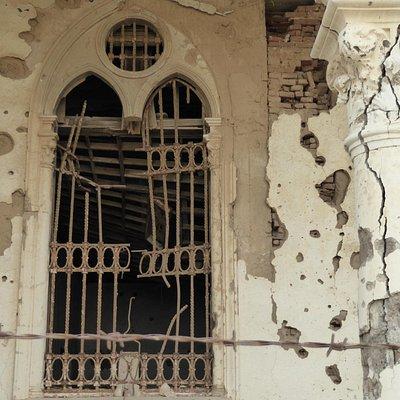 破壊された窓