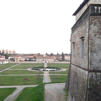 Rocca di Sala Baganza (S. Vitale) e giardini