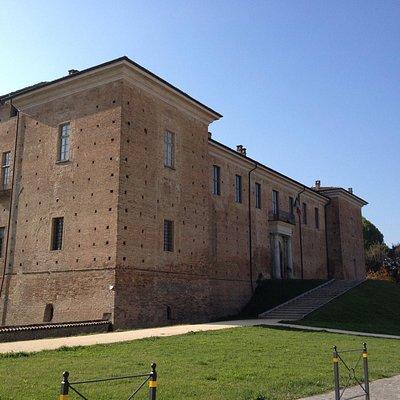 Facciata nord del castello di Voghera