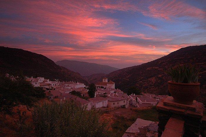 Atardecer en Bubion, vertiente sur de Sierra Nevada.