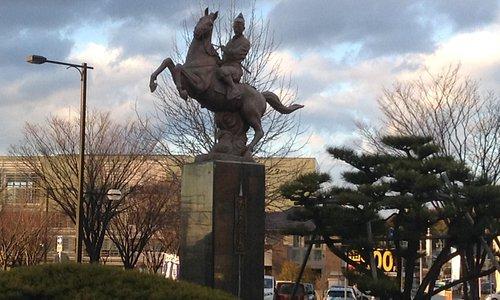 水野又太郎良春の銅像