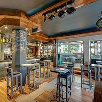 The Black Sheep gastro pub - interior 01