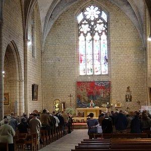 Интерьер церкви Сен-Лоран-э-Сен-Фрон (XIII век)