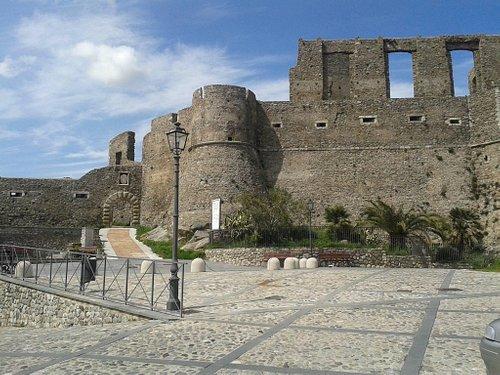 Il castello normanno-svevo di Squillace