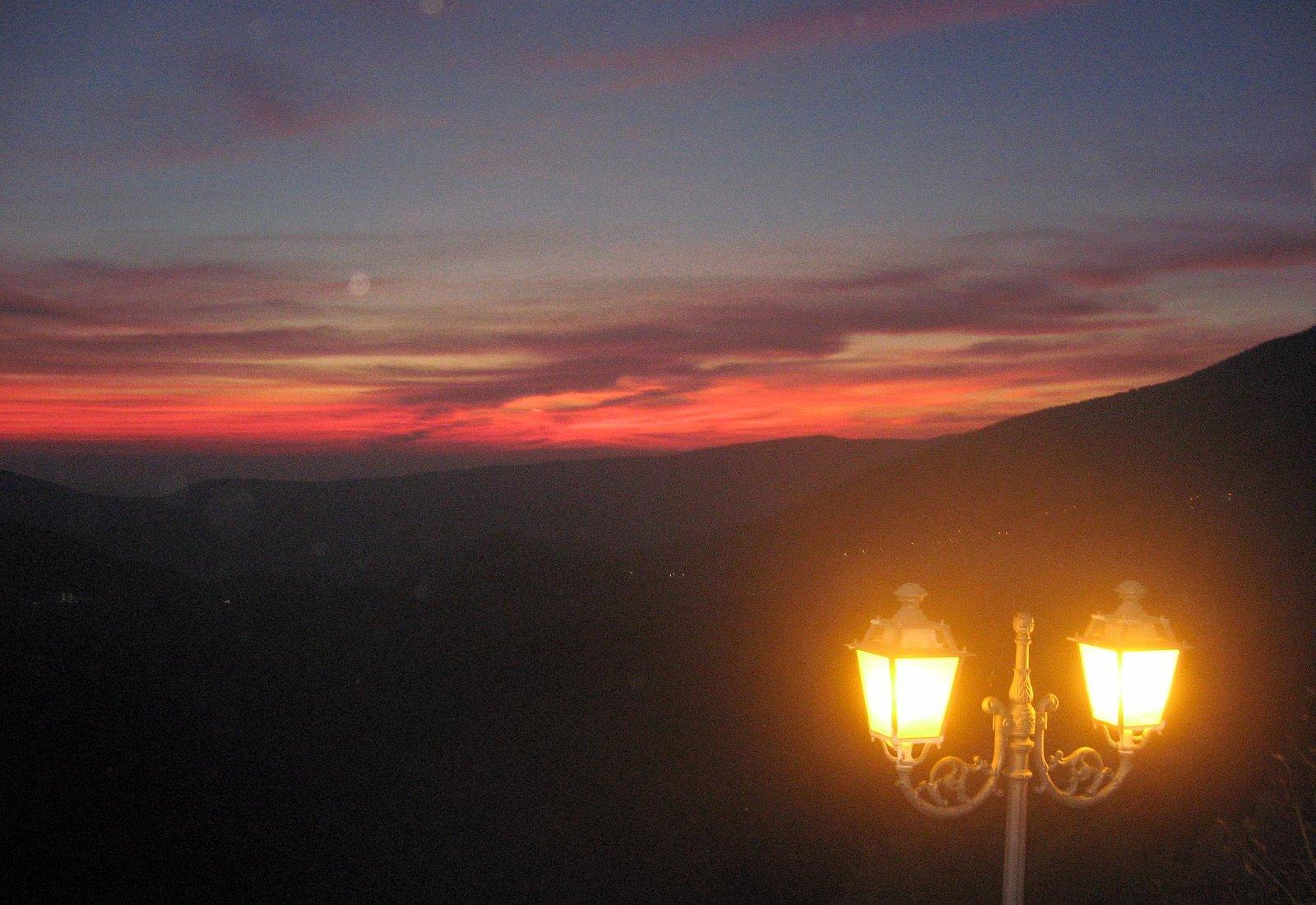 Vista del tramonto dal Ristorante del Borgo a Castel di Sasso